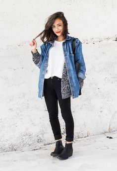 OUTFIT: oversized denim jacket, grey cardigan, white top, black jeans, black boots