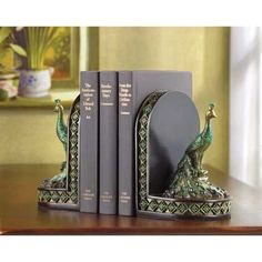 Peacock Bookends | http://lexiskreationz.storenvy.com/products/1006411-peacock-bookends