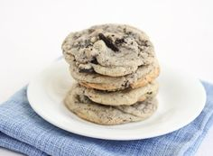 Chewy Cookies & Cream Cookies