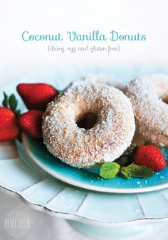 So Delicious Coconut Vanilla Donuts : dairy, egg and gluten free #glutenfree #vegan #dairyfree #eggfree | Pure Ella : www.pureella.com