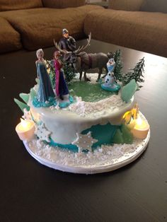 Disney's Frozen Happy Birthday Cake