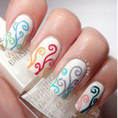 Swirls nail art