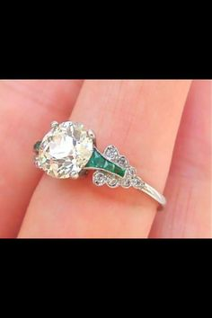 My Second Pin of my next year wedding!!! Gorgeous style with the green and diamond
