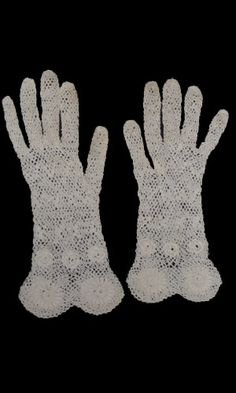 1920's Lace Gloves