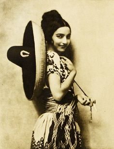 Hispanic silent screen actress Rose Rolanda, 1923