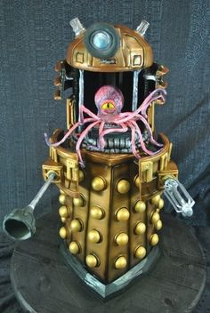 Incredible Dalek cake!