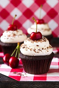 Black Forest Cupcakes - Hidden cherry pie filling inside <3 #Cherries #Cupcake