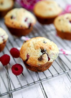 Try these delicious Raspberry Chocolate Chip Muffins - perfect for Early Game Days #ConcessionStandIdeas