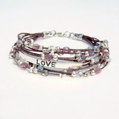 Celebrate the season of love with your own beaded bracelet!  Full tutorial.