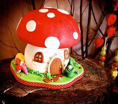 fairy house cake   Flutterby Bakery