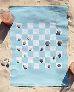 Portable Game (Checkerboard one one side and Tic-Tac-Toe on the other)  #Crafts, #Kids, #Beach, #Summer