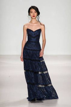 The most outrageously gorgeous gowns from NYFW 2014: Tadashi Shoji
