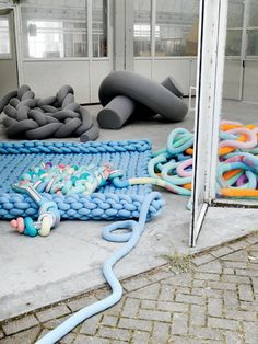 This huge pile of knitted goodness. | 21 Gigantic Knitted Things You'd Love To Cuddle UpWith