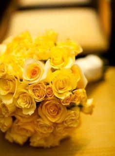 yellow weddings, idea, bridal bouquets, bridesmaid flowers, wedding bouquets, bride bouquets, rose wedding, yellow bouquets, yellow roses