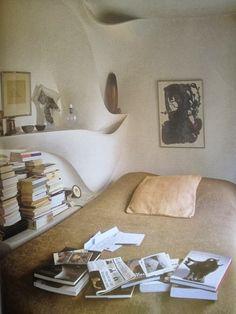 valentine schlegel's bedroom.
