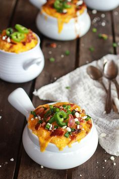 Easy Jalapeño Popper Chicken Chili and Cheddar Polenta Pot Pies. #food