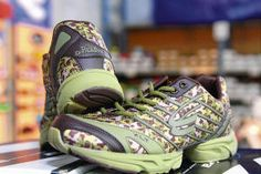 Duck Dynasty Camo Running Shoes - they even have pink!  El Paso's Spira Footwear introducing 'Duck Dynasty' shoe