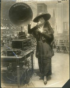 Fritzi Scheff demonstrating Magnavox for Fifth Liberty Loan in New York City, Gilded Age: 1895; part of the Powerhouse Museum Collection (available at www.powerhousemuseum.com/collection/database)    Persistent URL: http://www.powerhousemuseum.com/collection/database/?irn=322920