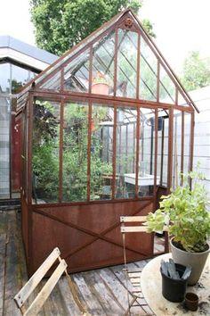 jardin serre on pinterest greenhouses sheds and old doors. Black Bedroom Furniture Sets. Home Design Ideas