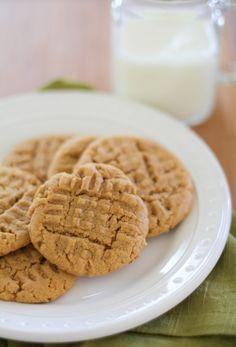 Gluten free peanut butter cookies | http://www.theroastedroot.net