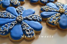 Flower Royal Icing Cookies by Memesweets on Etsy