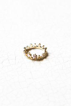 Crown ring    $5.00