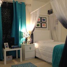 Kaya's bedroom.  White, teal and black. #bedroom #white #teal #preteen