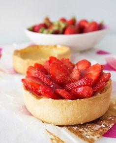 Strawberry Tart Recipe with Vanilla Pastry Cream