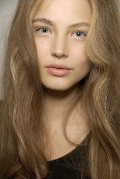 White eyeliner love.