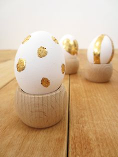 Gold leaf Easter egg diy project