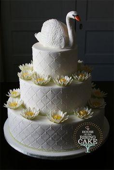 http://www.houseoftherisingcake.ca/House_of_the_Rising_Cake/Wedding_Cakes_files/Media/Swan-cake-2/Swan-cake-2.jpg?disposition=download
