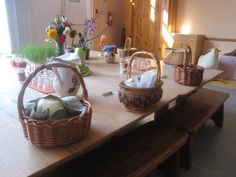 swooning a little over the lunch baskets at this Waldorf school.  Incorporate at home for special days?