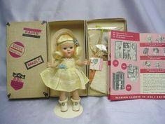 VOGUE Ginny  Blonde 1953 Doll w/ Presentation BOX LOVELY