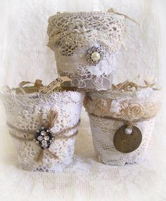 shabby chic style, flower girl basket, decorated plant pots, vintage lace, shabbi white, shabbi chic, peat pot crafts, alter peat, flower girls