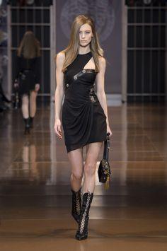 Versace Women's Wear FW14/15 Fashion show. #Versace #VersaceLive