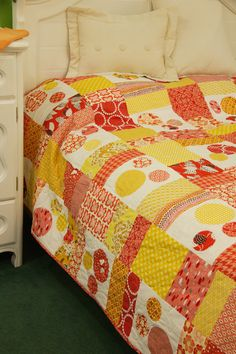 Summer Sorbet by LuCrecia Hale of For the Love Designs, featured in Quilters Newsletter's Best Fat Quarter Quilts 2012