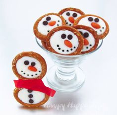 These Sweet Snowman Pretzels would be perfect for kids to make for a party!