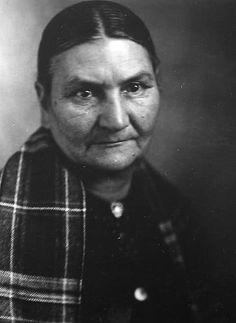 On-Wa-Ri-Ka-Wen-Ne-He (aka Mary Smoke) - Iroquois (Mohawk) – 1913