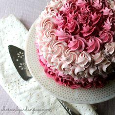 How to make a dye-free pink ombre cake (PLUS helpful insider cake decorating tips.)  via www.abcsandgardenpeas.com