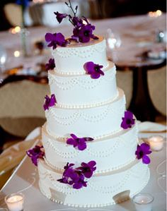 blue flowers, butter, purple flowers, buntings, purple and white wedding cake, white weddings, orange flowers, white cakes, white wedding cakes