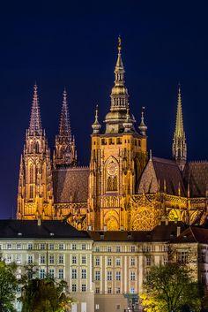 Southern view of #Prague Castle - St. Vitus Cathedral, Czech Republic www.svasek.eu