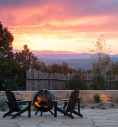 Get toasty together beneath a blazing Santa Fe sky. The desert's all yours tonight.