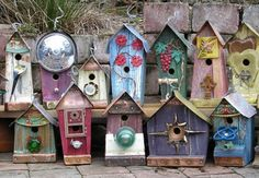 These trash to treasure birdhouses are true garden therapy!
