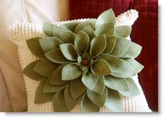 Felt Flower Pillow Tutorial