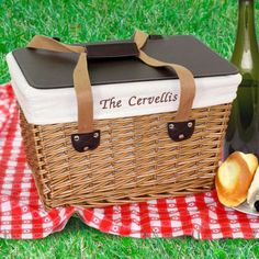 basket case, picnic baskets