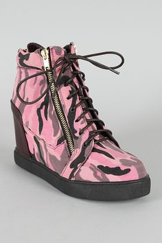 I Love Pink Camo...Click On Picture To See Where You Can Buy These...