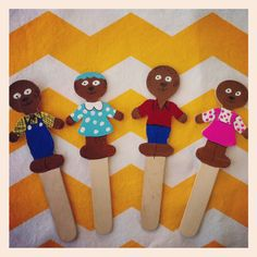 ( wild tales...goldilocks and 3 bears )Berenstein Bears craft stick puppets