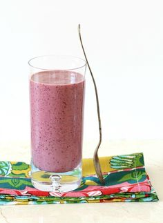 Coconut, Berry and Spinach Smoothie via @Carrie Vitt (Deliciously Organic)