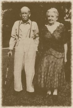 Almanzo and Laura Ingalls Wilder 1948!  I love Little House on the Prairie!