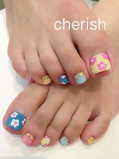 image of flower foot * | ☆ nail salon Cherish ☆ for more fashion: http://www.etsy.com/shop/214EVER?ref=si_shop